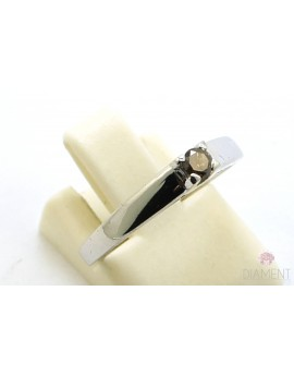 Pierścionek z białego złota z brylantem 0.10ct. B/P1 2.100g. 585 z certyfikatem kolekcja pieprz i sól