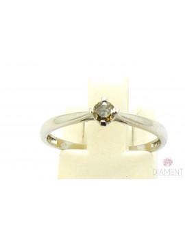 Pierścionek z białego złota z brylantem 0.12ct. B/P1 1.300g. 585 z certyfikatem kolekcja pieprz i sól