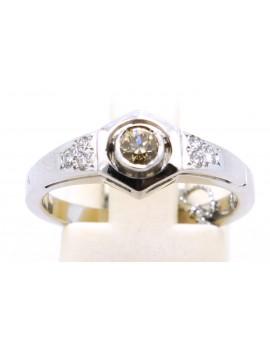 Pierścionek z białego złota brylantami 0.25ct. B/P1 z certyfikatem.
