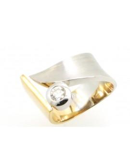 Pierścionek z biało-żółtego złota z brylantem 0.28ct.H/VS masa 12.000g. 750 z certyfikatem.